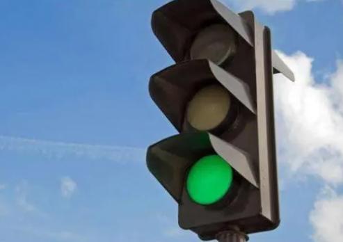 卫国路富康道口信号灯问题的建议!制定优化方案